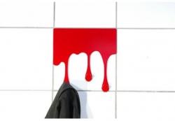 Vrahov vešiak červený