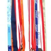 Vešiak na medaily pre karatistu